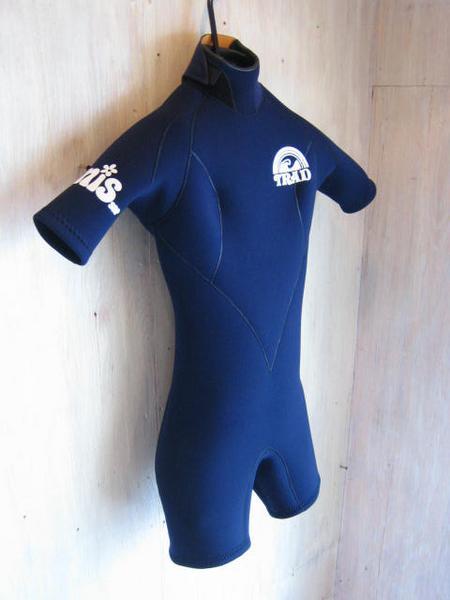WETSUITS  (ウエットスーツ) 種類 名称 デザイン 素材